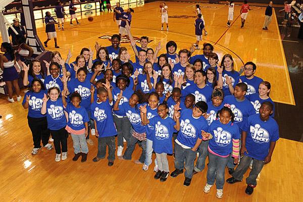 at risk kids college giving back volunteering mentor program