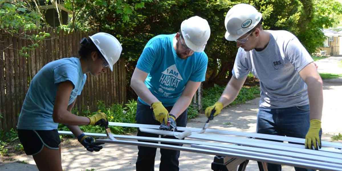 Habitat for Humanity Michigan Arbor volunteers volunteering