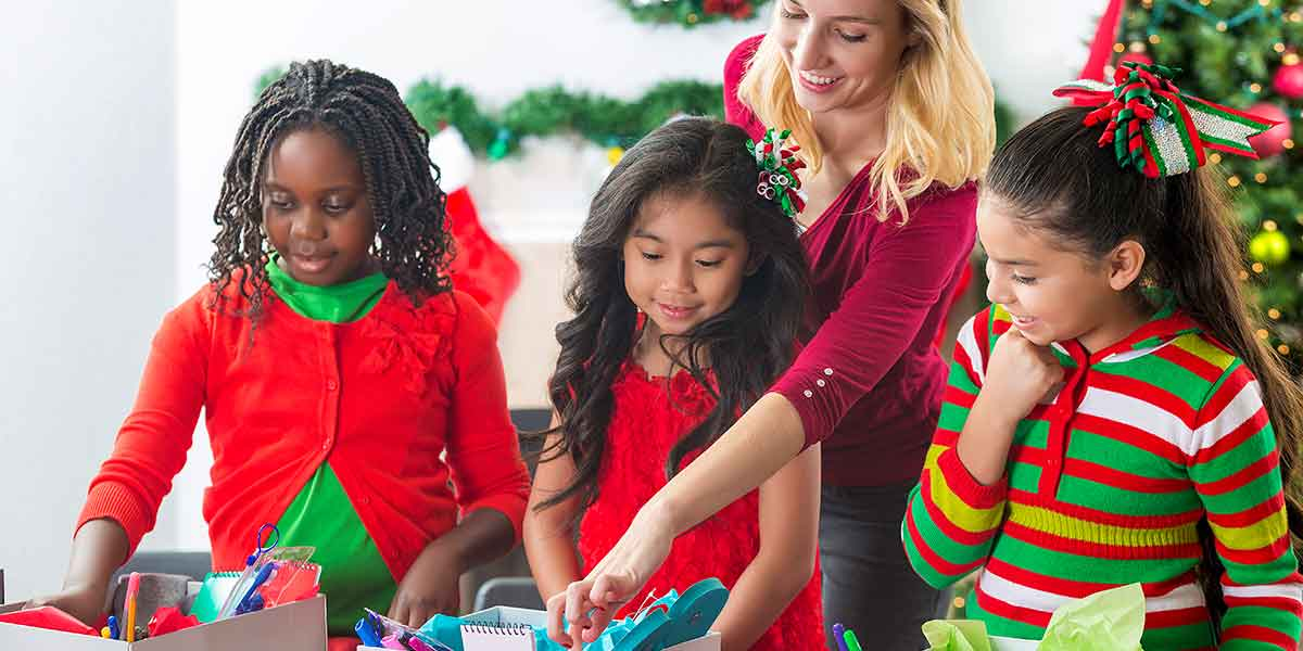 giving back christmas holiday volunteering community service resources tips ideas