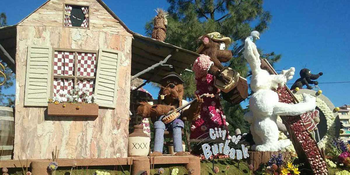 City of Burbank rose parade float cabin with bears