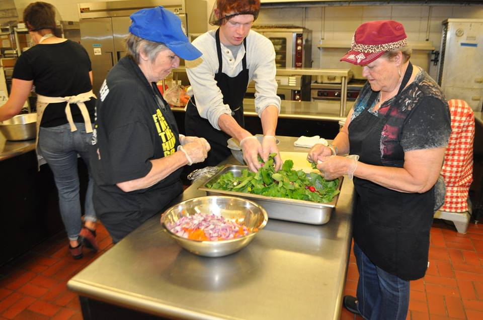 Soup Kitchen Schedules Volunteers with SignUpGenius
