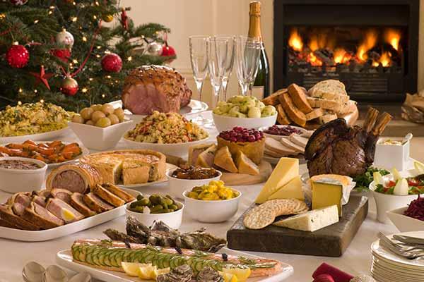 Plan a Christmas potluck