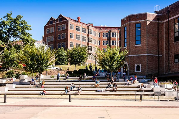 25 Tips for College Tours