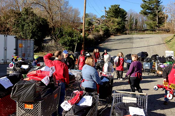 Salvation Army Schedules Volunteers with Online Sign Ups