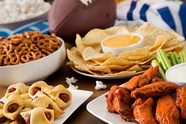 tailgate food ideas tips burger dessert dips drinks tailgating party