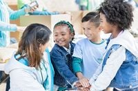 25 Community Service Ideas for Schools