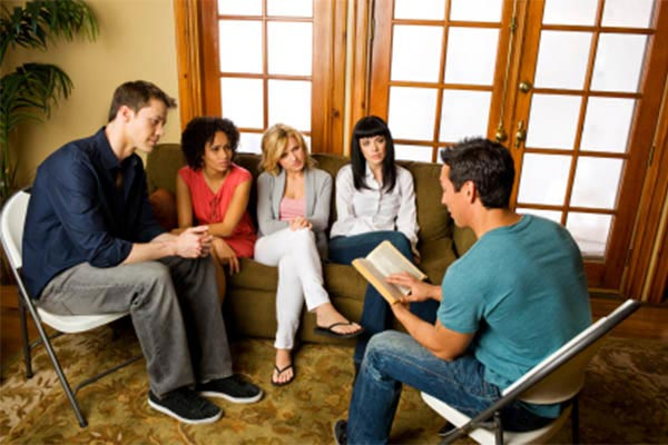 Choosing Small Group Materials | Christian Bible Studies