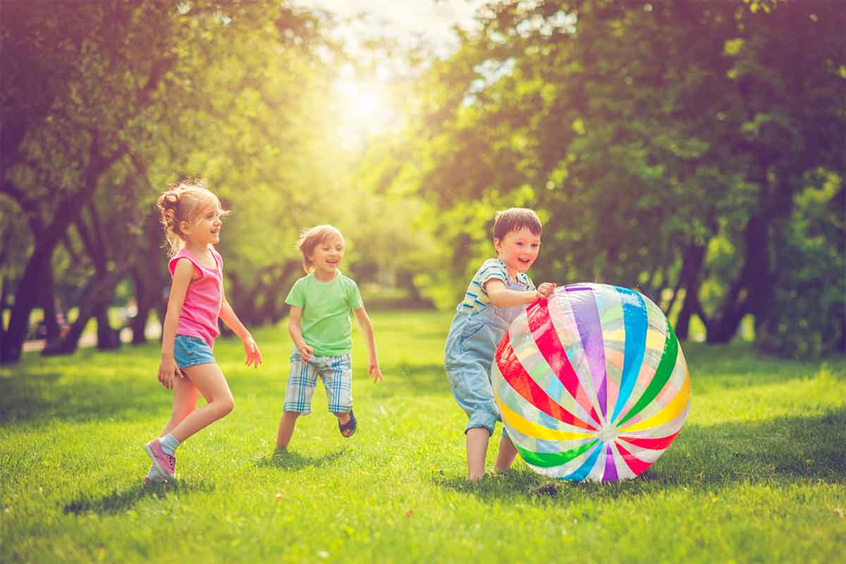 20 outdoor games for your backyard party
